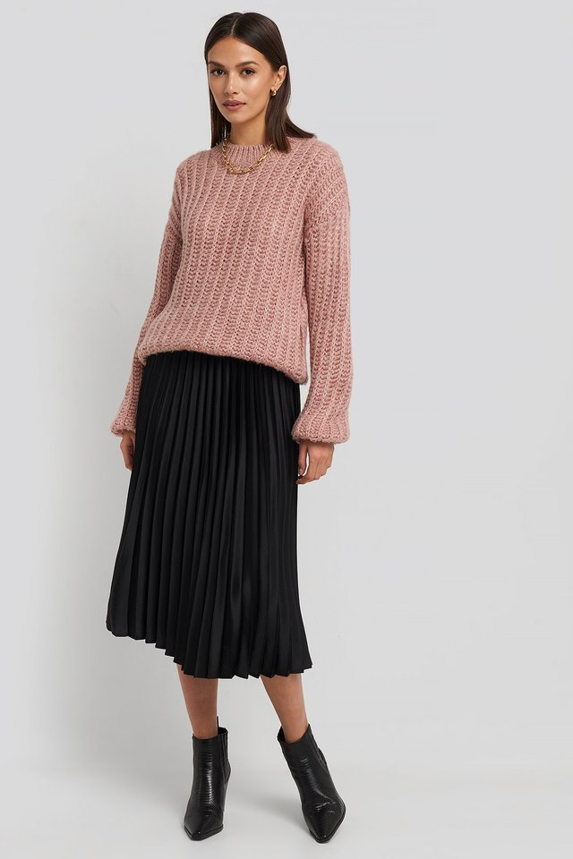 Catia Skirt Outfit.