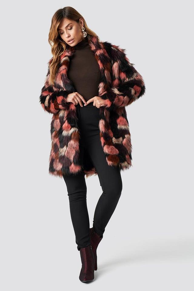 Cozy Contrast Faux Fur Jacket Outfit