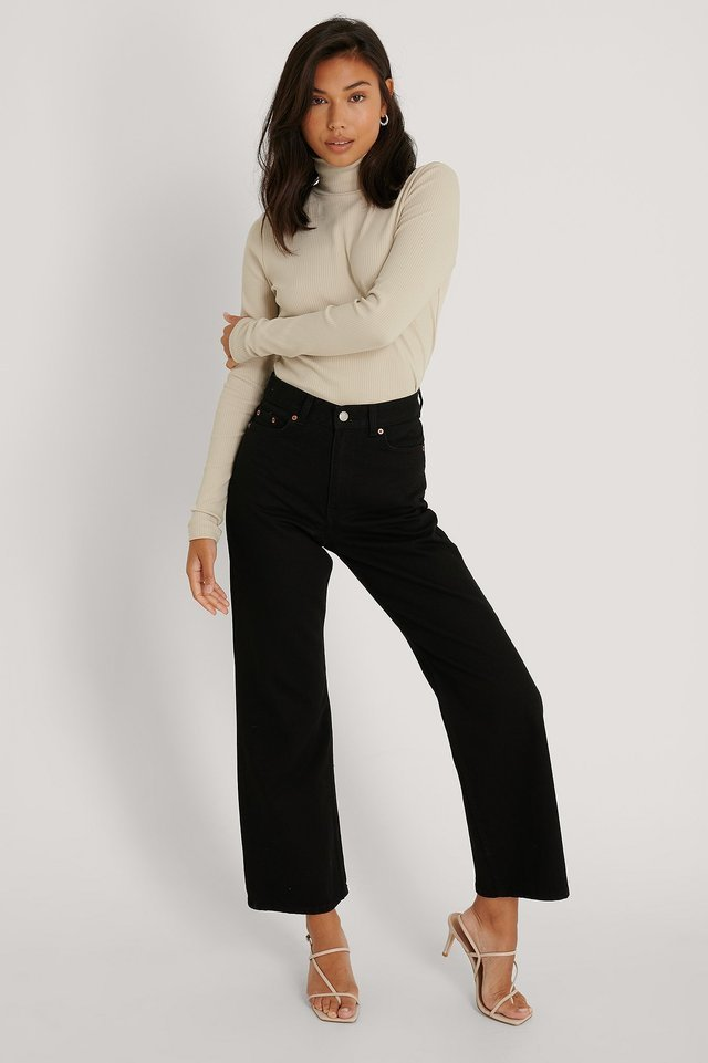 Echo Jeans Black Outfit.