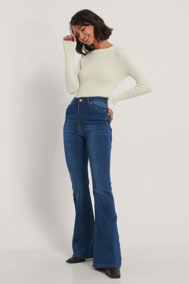 High Waist Flared Jeans Navy Outfit.