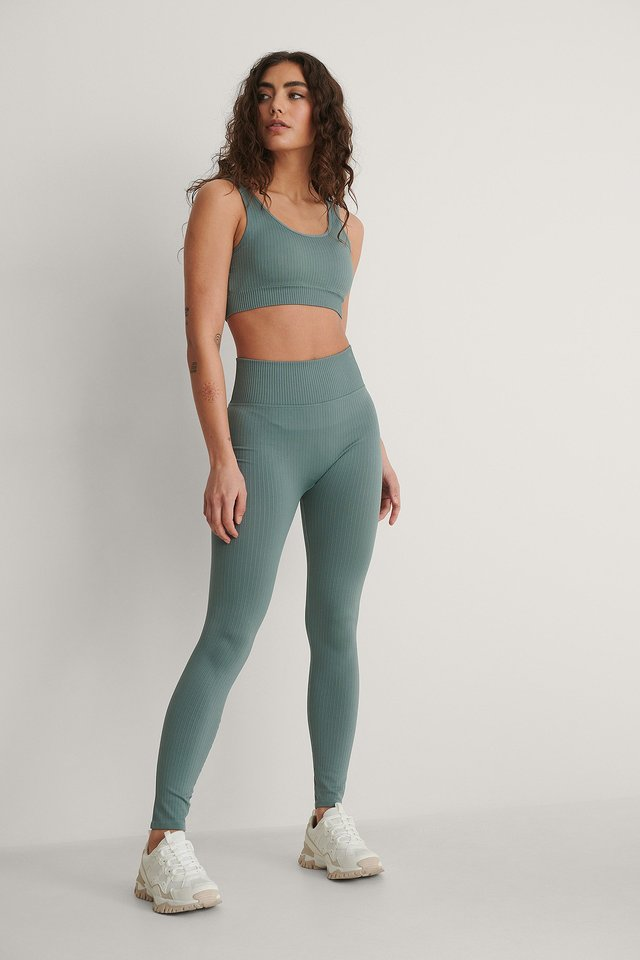 Apolo Sport Top Outfit.