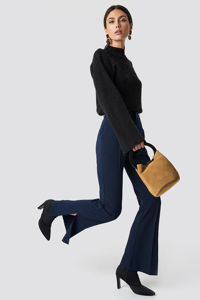 Casual Black Sweater and Blue Pants Outfit