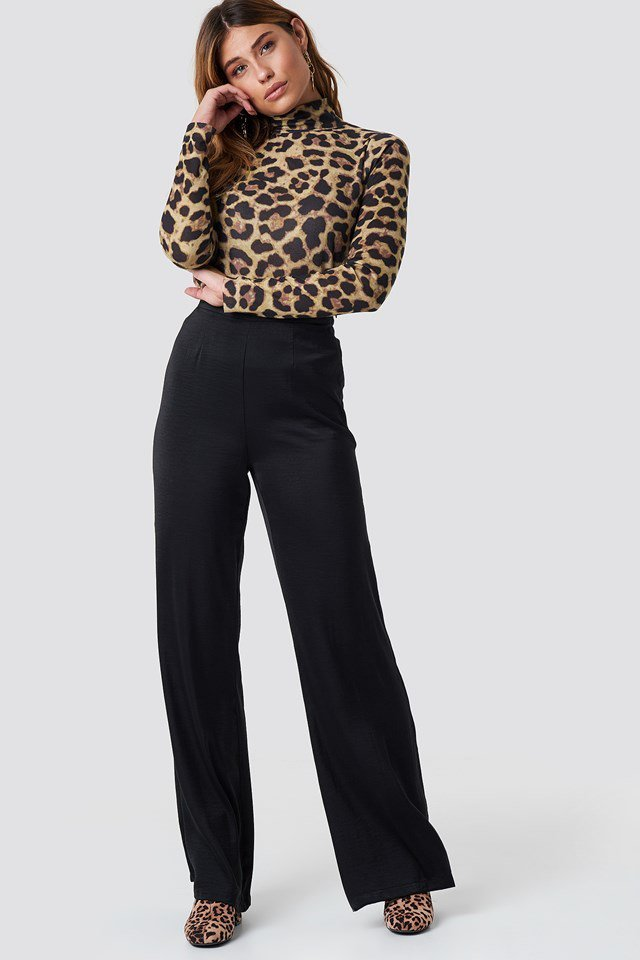 Matching Leo Top and Shoe Outfit