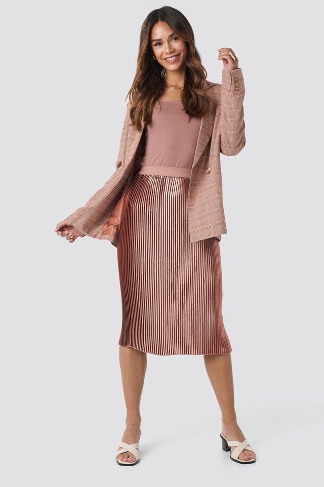 Dusty Dark Pink Shiny Pleated Skirt