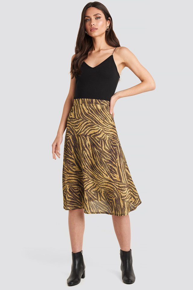 Animal Printed Midi Skirt Outfit.