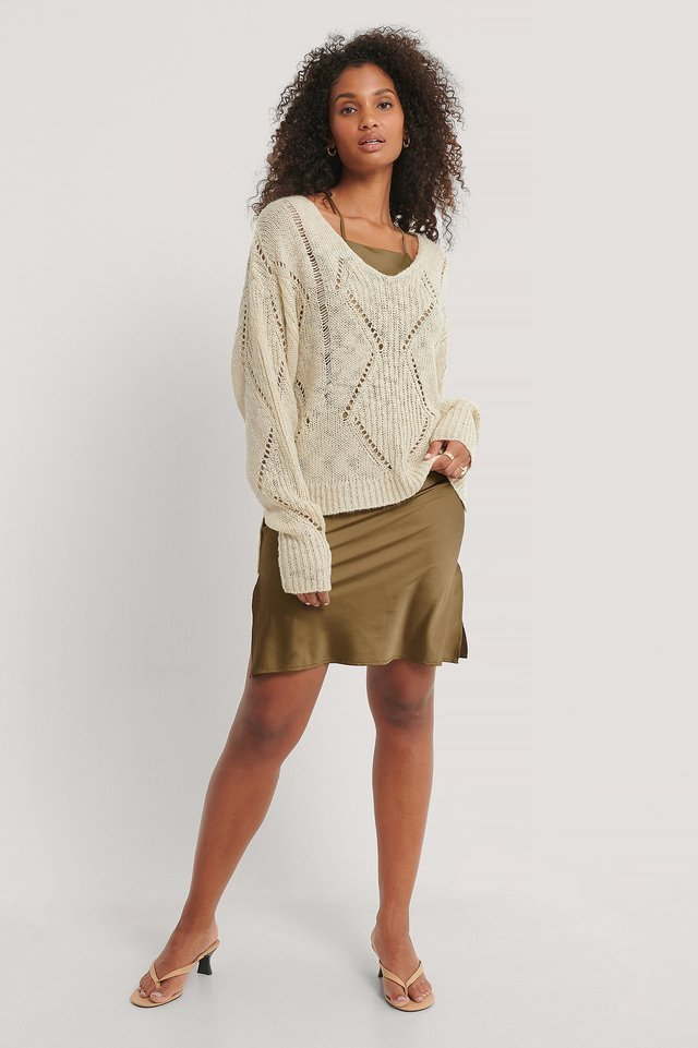 Slouchy Pattern Knitted Sweater Outfit.