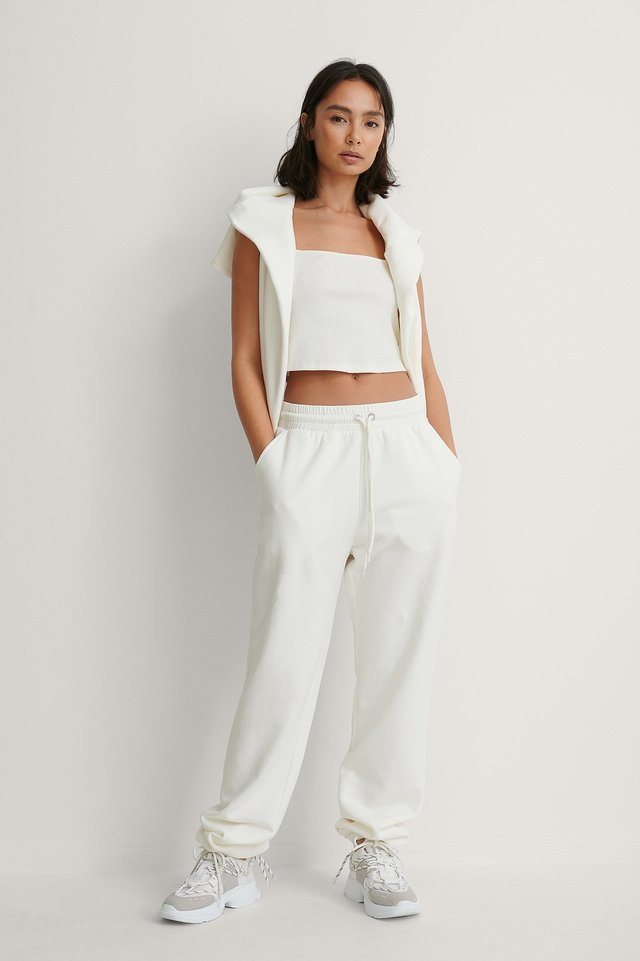 Embroidery Detail Sweatpants Outfit.