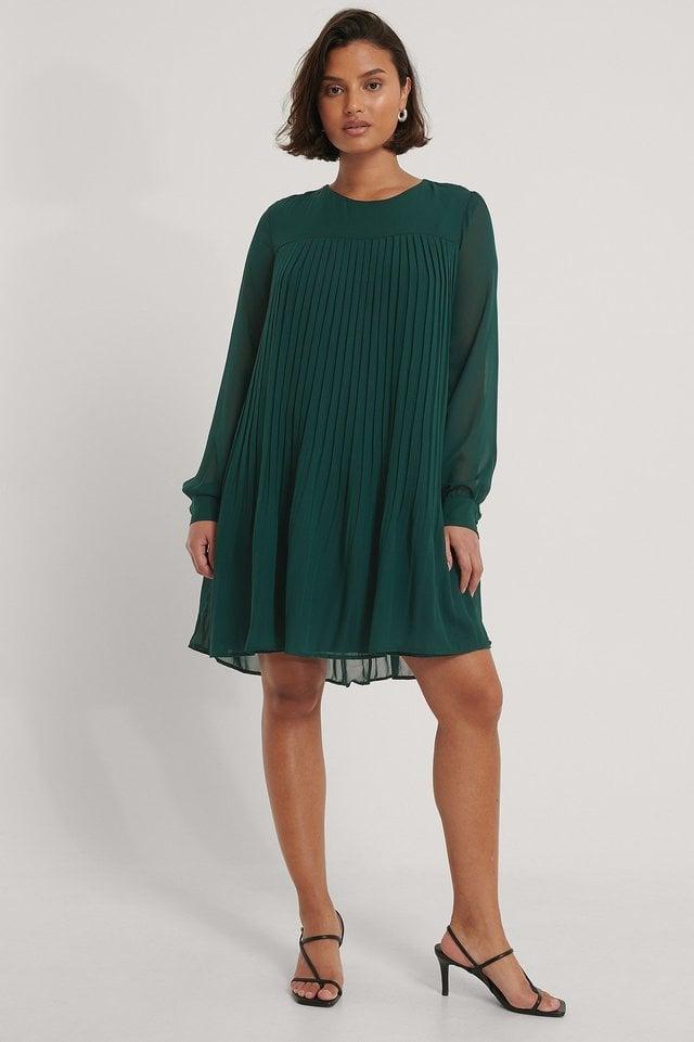 Carmen Pleated Mini Dress Outfit.
