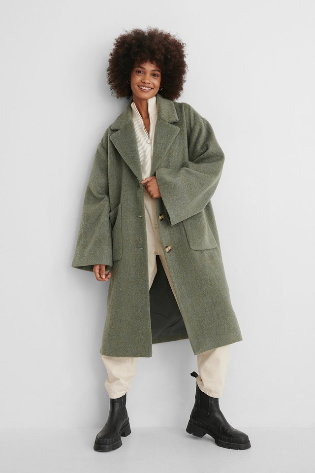Wide Sleeve Coat Green Outfit.