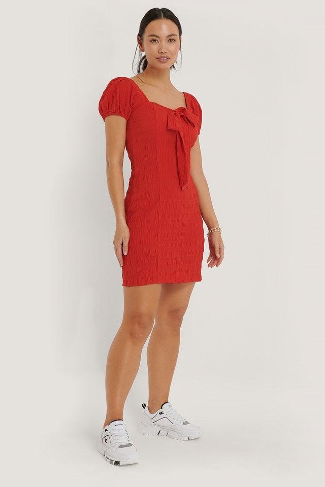 Red Sløjfekjole Med Struktur