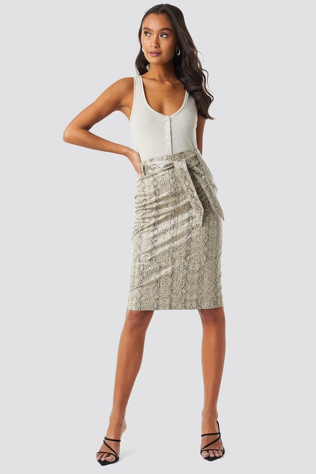 Belted Snake Skin Skirt Outfit.