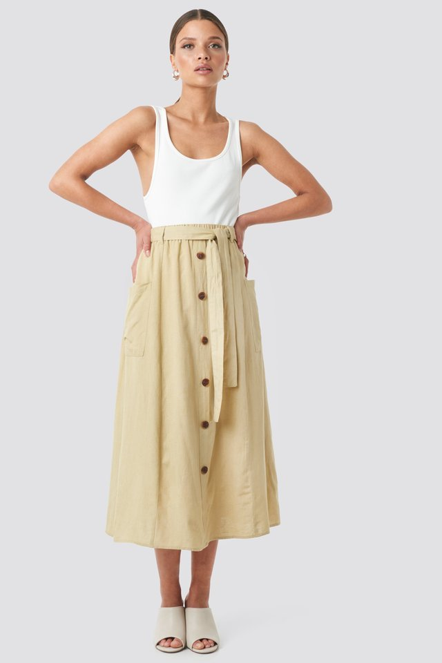 Bina Skirt Outfit.