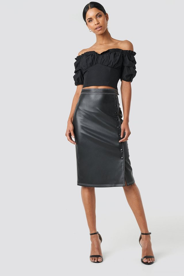 Front Button Contrast Faux Leather Skirt Outfit.