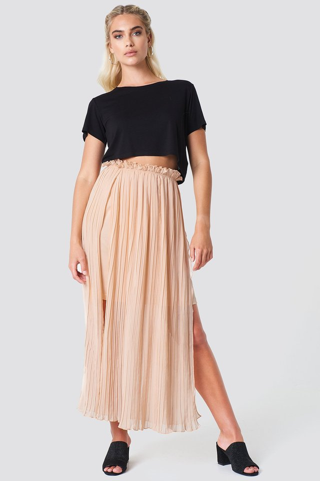 Pleated Frill Skirt Outfit.