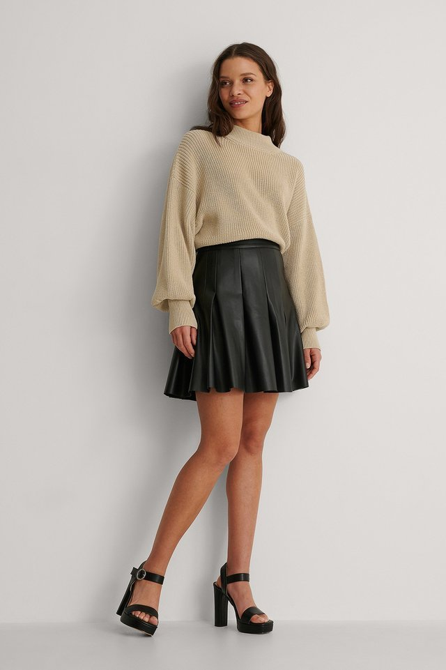 Darted PU Mini Skirt Outfit.