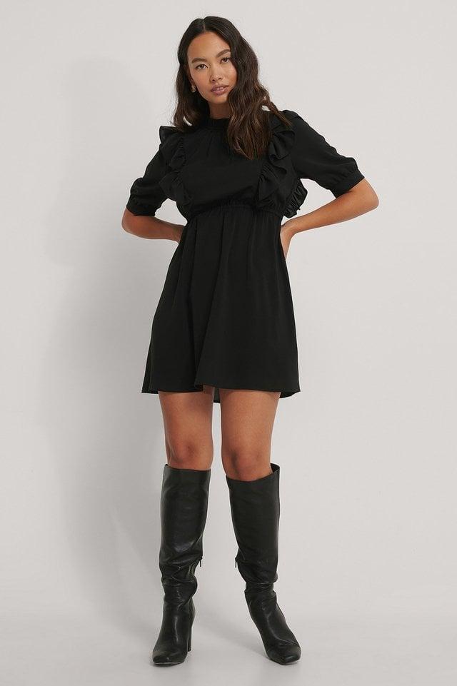 Black Miniklänning Med Hög Hals