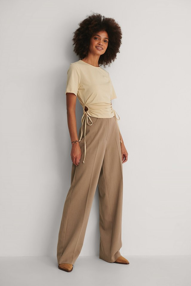 Cut Out Cropped T-shirt Outfit!