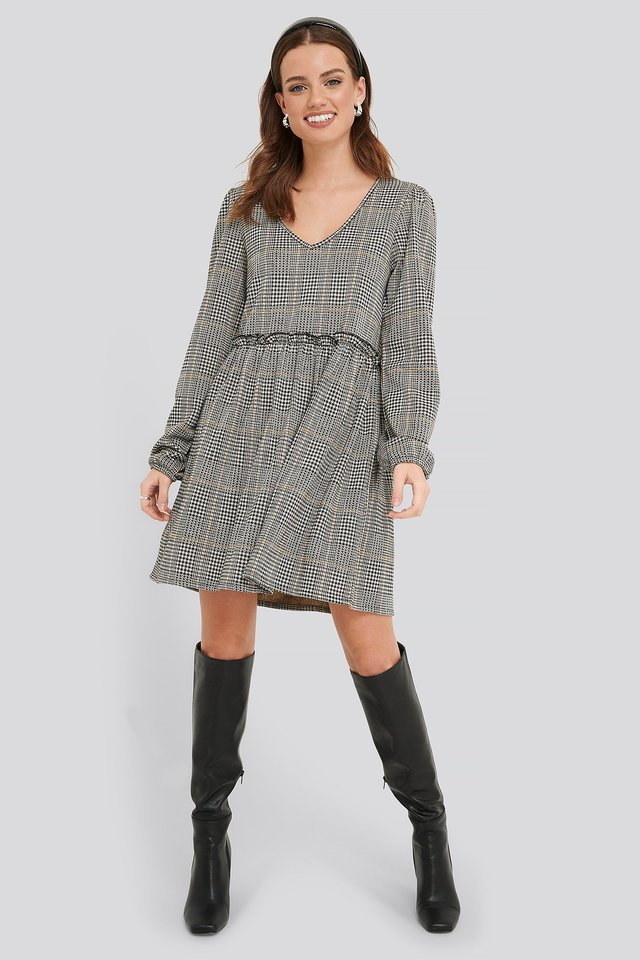 Frill Detailed Check Oversize Dress Outfit.