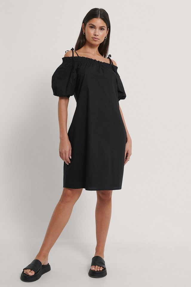 Frill Off Shoulder Midi Dress Outfit.