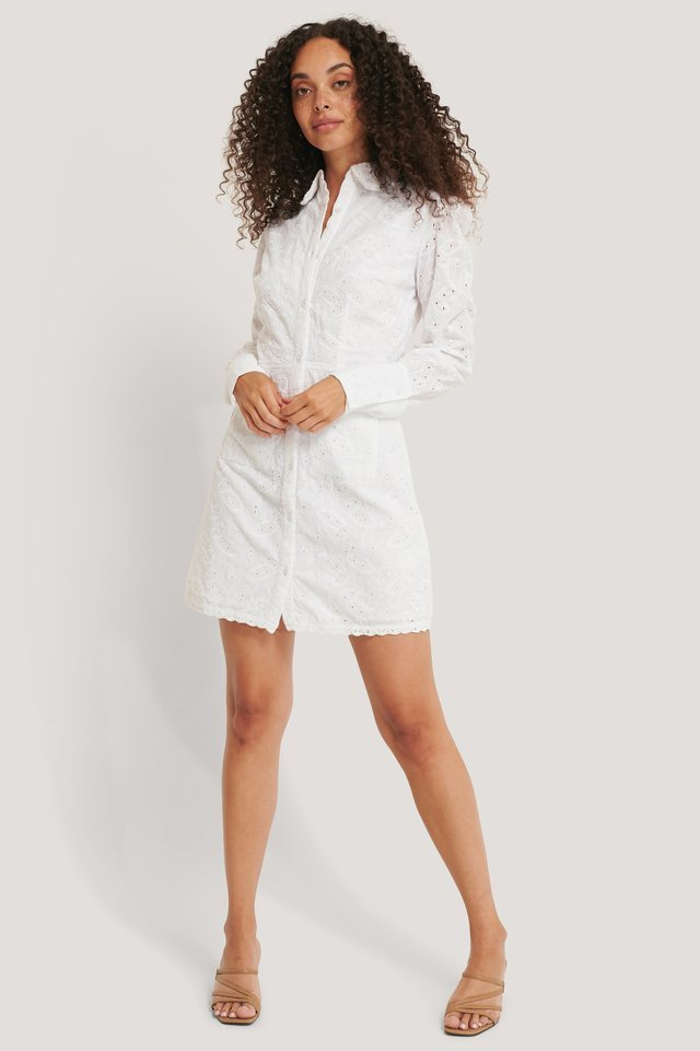 Front Pocket Anglaise Dress Outfit.