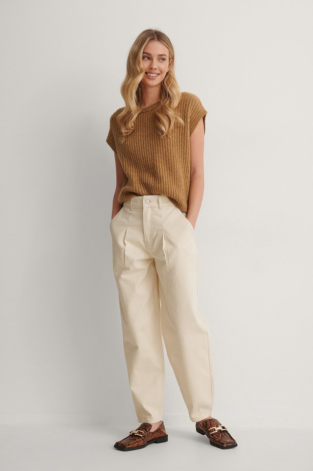 Front Pleat Balloon Leg Jeans Outfit.