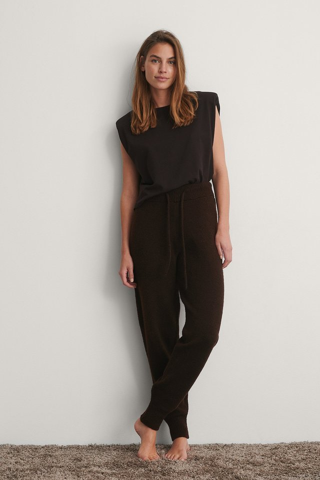 Knitted High Waist Joggers Outfit.