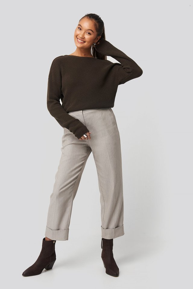Knitted Deep V-neck Sweater Brown.