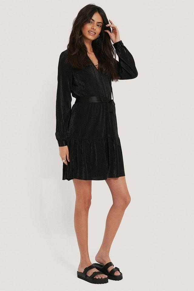 V-neck Plisse Dress Outfit.