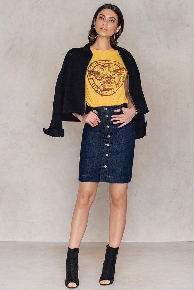 Hino T-Shirt Outfit.