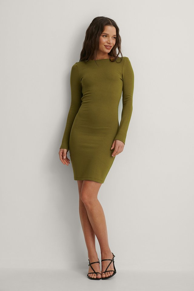 Deep Back Mini Dress Outfit.