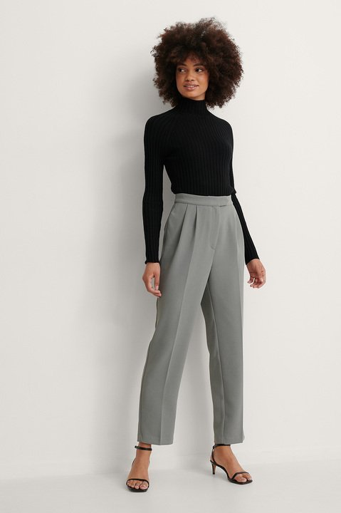 Open Twisted Back Knitted Sweaters Outfit.