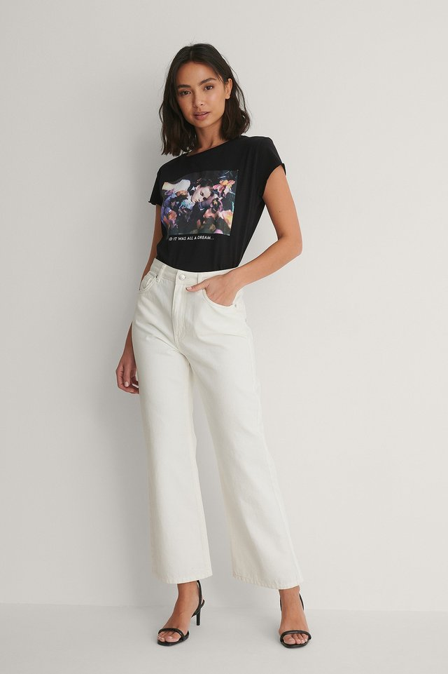 Raw Edge Tee with White Denim Outfit.