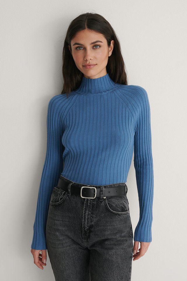 Open Twisted Back Knitted Sweater