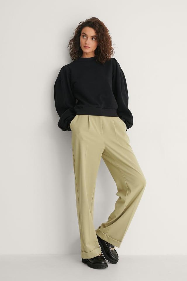 Puff Sleeve Sweatshirt Outfit.