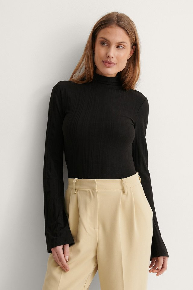 NA-KD High Neck Ribbed Trumpet Sleeve Top Outfit