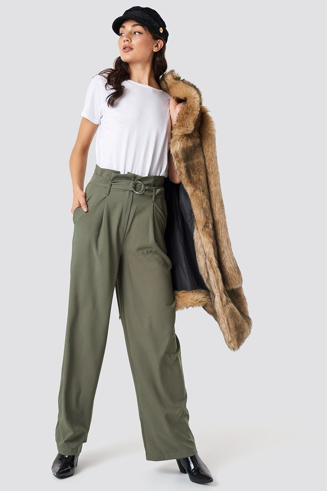 Trendy Hat and Wide Leg Trousers Outfit