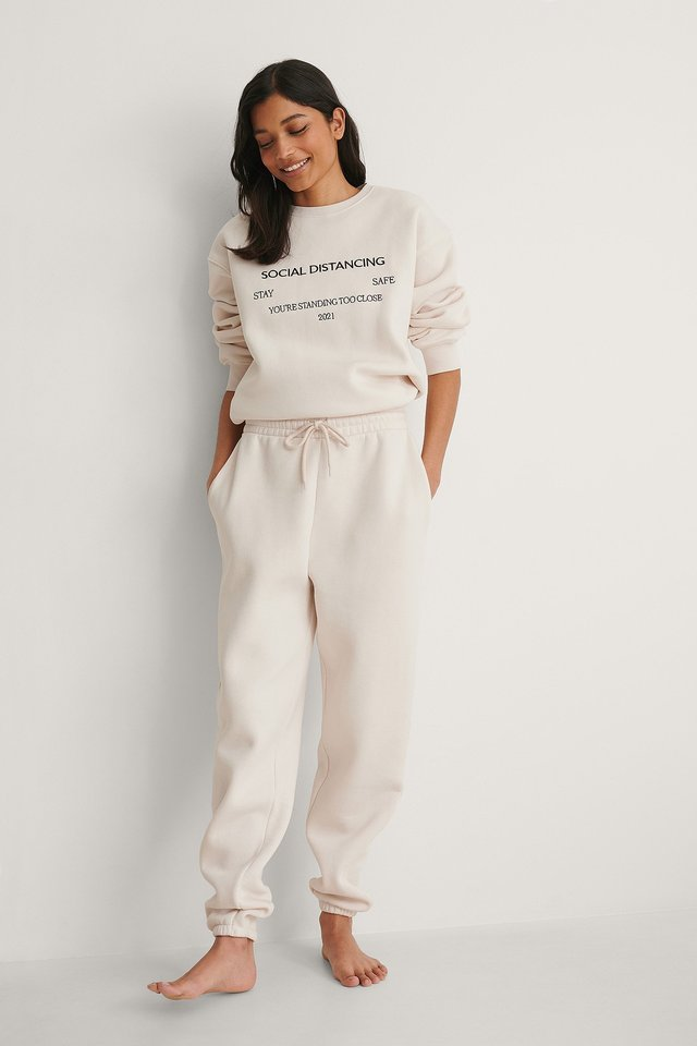 NA-KD Organic Brushed Tapered Sweatpants Outfit