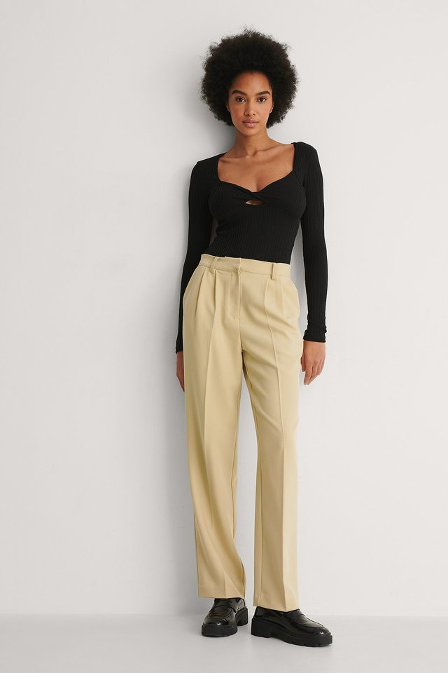 Ribbed Front Twist Top Outfit