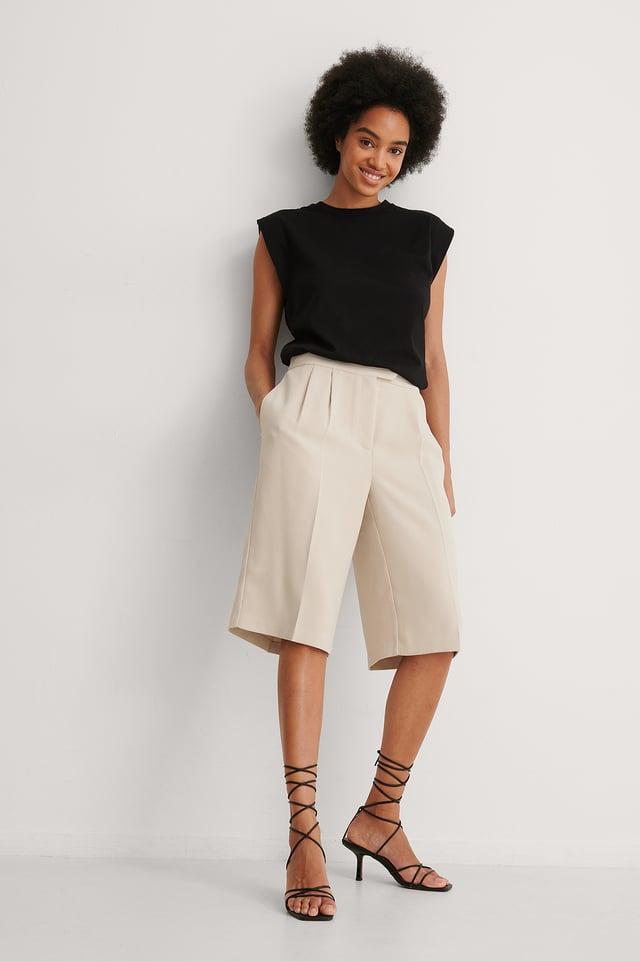 NA-KD Sleeveless Tee Outfit