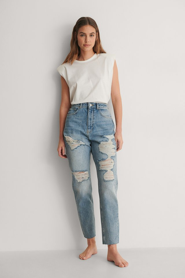 High Waist Ripped Mom Jeans Outfit