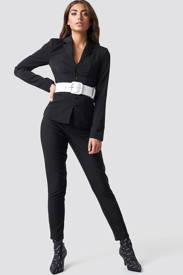 Elegant Shirt and Belt Detail Outfit