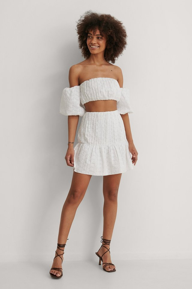 NA-KD Embroidered Cropped Top Outfit