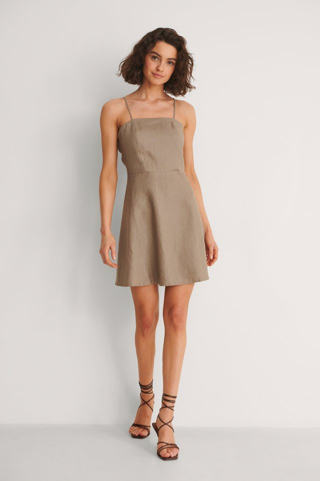 Lacing Back Linen Dress Outfit.