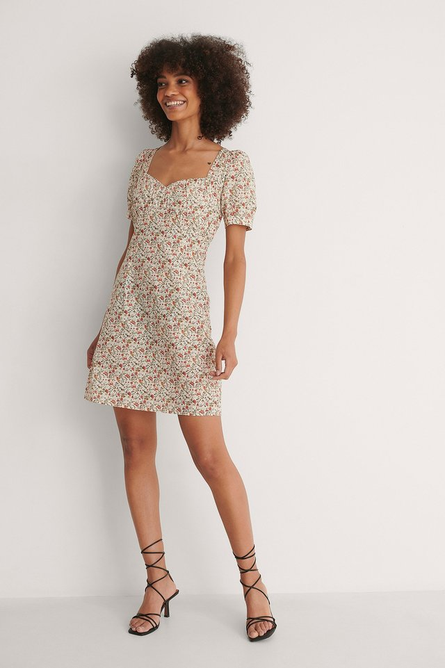 Bust Puff Sleeve Mini Dress Outfit