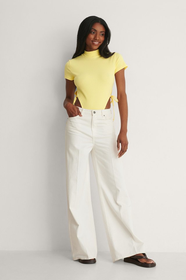 Short-Sleeve Tie Side Body Outfit.