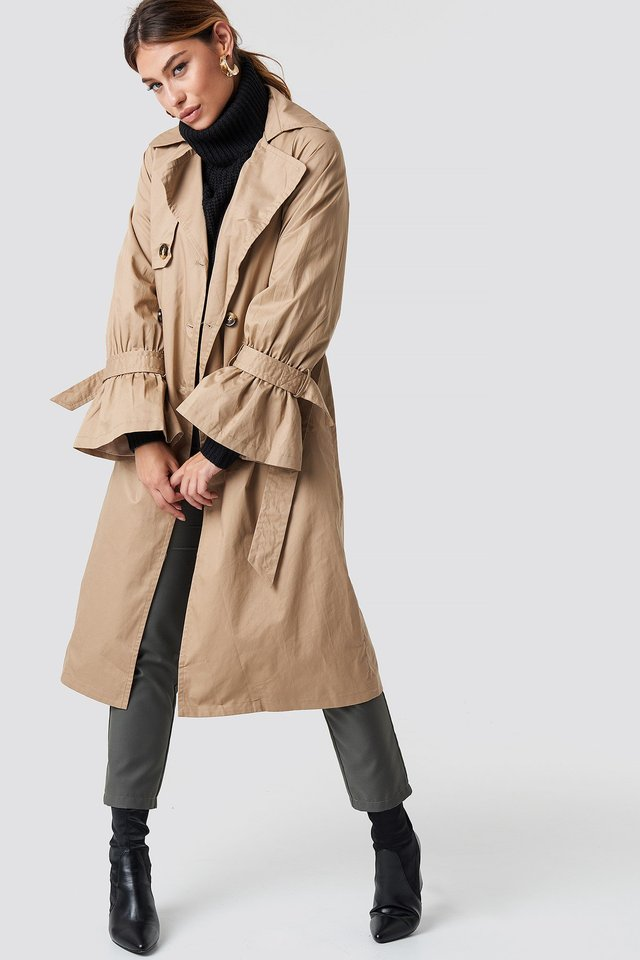 Classic Trench Coat Outfit