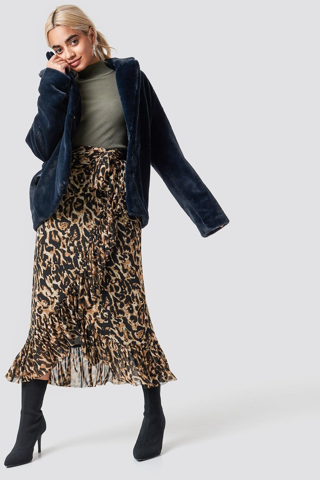 Cozy Jacket and Midi Skirt Outfit