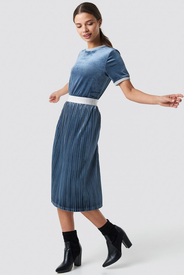 Saint Skirt Blue Outfit