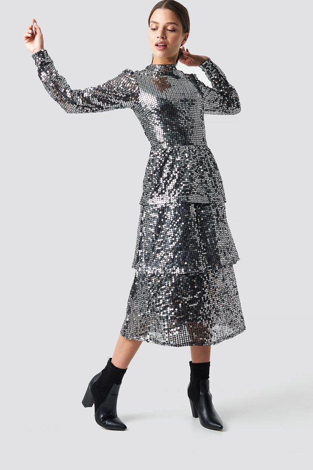 Open Back Sequins Midi Dress Silver Outfit