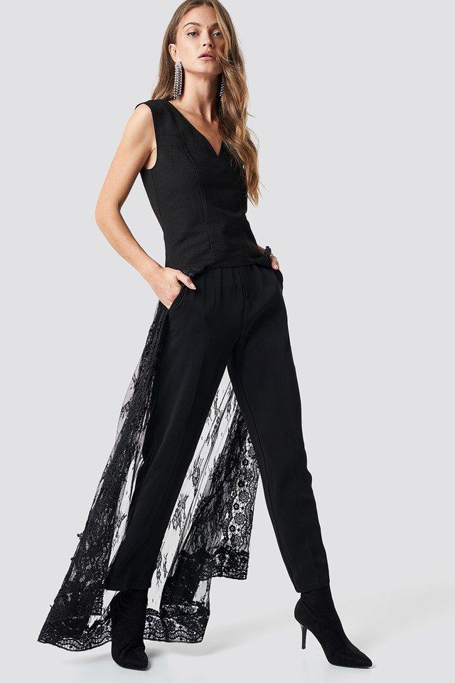 Cutline Detail Lace Train Top Black Outfit